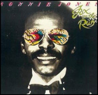 Ronnie Jones - Fox On The Run