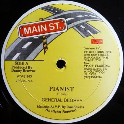 General Degree - Pianist / Plastic